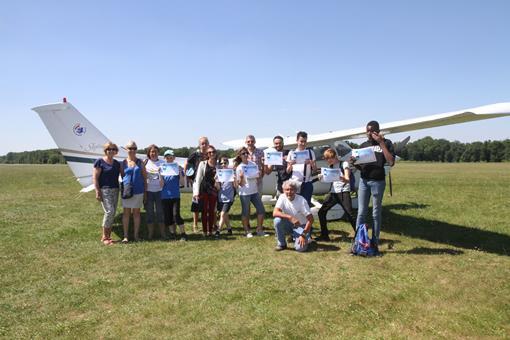 Aviation sans frontière fait voler les jeunes de La Cordée Francilienne